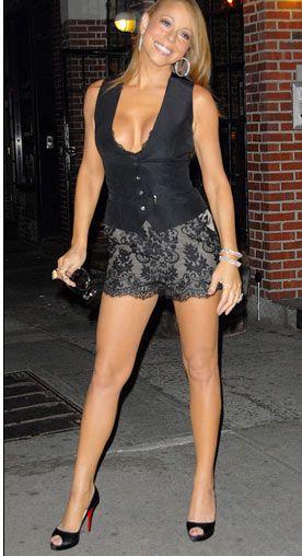 Bunalımlı günlerini geride bırakan Mariah Carey, tam 10 kg vererek eski formuna kavuştu.